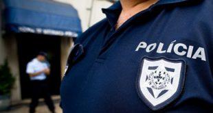 Jovem de 16 anos regressa a instituição pela mão da PSP depois de ter fugido