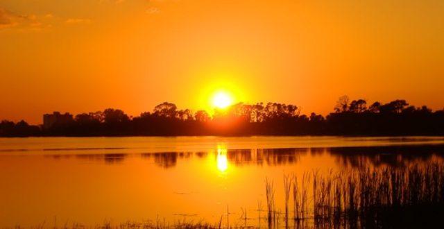 fiery_orange_sunset_2048x1536_blogdowallpaper