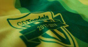 Defesa-central do Tondela apanhado a roubar