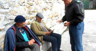 GNR Viseu distribui 1500 calendários aos idosos para evitar cobranças ilegais da EDP