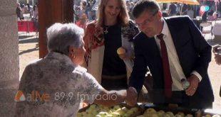 """""""Feira da Maçã Bravo de Esmolfe"""" a trilogia do queijo, vinho e maçã"""