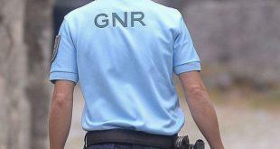 GNR deteve homem pelo roubo de 50 mil do interior de uma viatura em Moimenta da Beira
