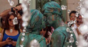 Casal de Cinfães é campeão mundial de estátuas vivas