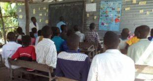 Câmara de Lamego entrega donativo para apoiar reconstrução de escola em Moçambique