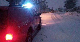 Neve: Bombeiros de Castro Daire auxiliaram na entrega de refeições a casas que ficaram isoladas