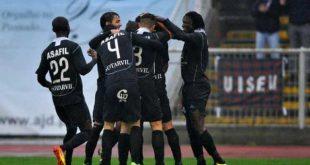 Académico de Viseu vence FC Porto B reduzido a 10 com golo solitário de Carter