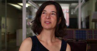"""Patrícia Portela, diretora do Teatro Viriato, publica """"Hífen"""", um livro sobre ligações entre as pessoas"""