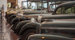 Mais de 140 veículos retratados num livro lançado pelo Museu do Caramulo