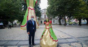 Dia do município de Viseu e de São Mateus celebrado com um vestido gigante