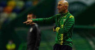 """Treinador diz que Tondela vai """"com personalidade"""" para a receção ao FC Porto"""